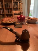Capstan Gold Navy Cut in olive wood pipe.JPG