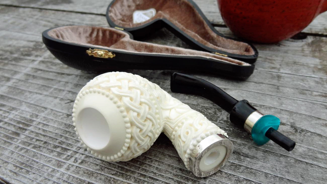 Because this is a high grade meerschaum pipe the shank is fitted with a Teflon/Delrin tenon. This tenon is threaded into the meerschaum so that removal and ... & Comfort Pipe... | Briar Meditations