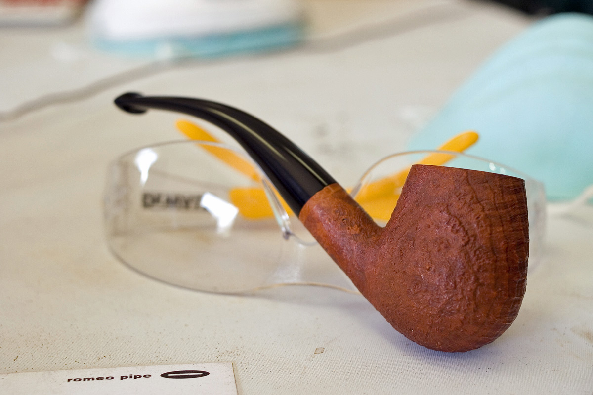 My first attempt at carving a pipe! 2---Seminar--010