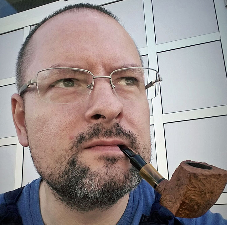 Pipe Maker Daniel Mustran