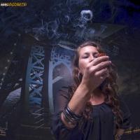 camae-smokes-a-savinelli-spring-626-smooth-billiard-05.jpg