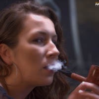 camae-smokes-a-savinelli-spring-626-smooth-billiard-12.jpg
