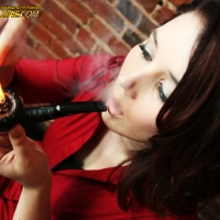 chelsea-does-an-incredibly-artistic-shoot-while-smoking-a-savinelli-07.jpg