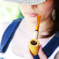 chelsea-smokes-a-corn-cob-pipe-10.jpg