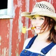 chelsea-smokes-a-corn-cob-pipe-14.jpg
