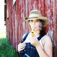 chelsea-smokes-a-corn-cob-pipe-22.jpg