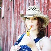 chelsea-smokes-a-corn-cob-pipe-24.jpg