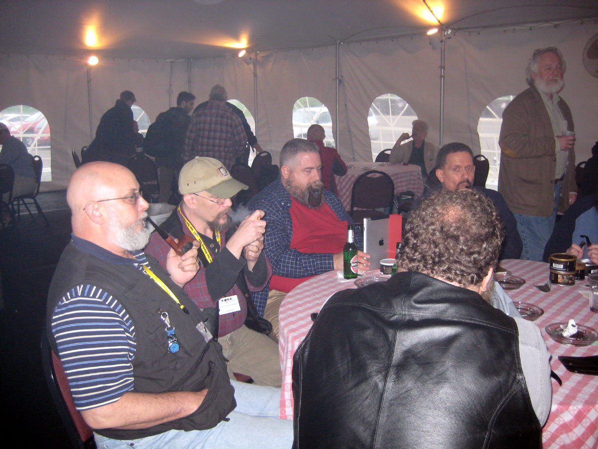 chicago-show-2011-smoking-tent-033.jpg  sc 1 st  Pipes Magazine & Picture 721 « Chicago Pipe Show 2011 Smoking Tent | The #1 Source ...