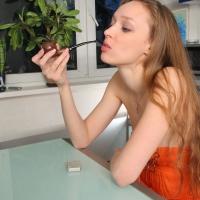jane-smokes-a-luciano-bent-apple-20.jpg