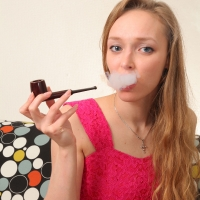 Jane Smokes a Kaywoodie London Made