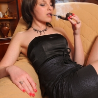 pipe-babe-julia-smoking-34.jpg