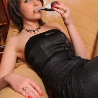 pipe-babe-julia-smoking-35.jpg