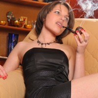 pipe-babe-julia-smoking-47.jpg