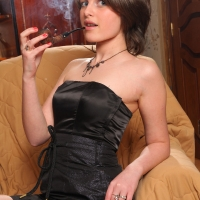 pipe-babe-julia-smoking-63.jpg