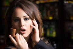 Melania Smokes a Godbee / Heeschen Pipe