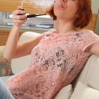 pipe-babe-katy-smoking-kaywoodie-pipe-08.jpg