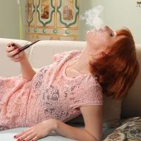 pipe-babe-katy-smoking-kaywoodie-pipe-25.jpg