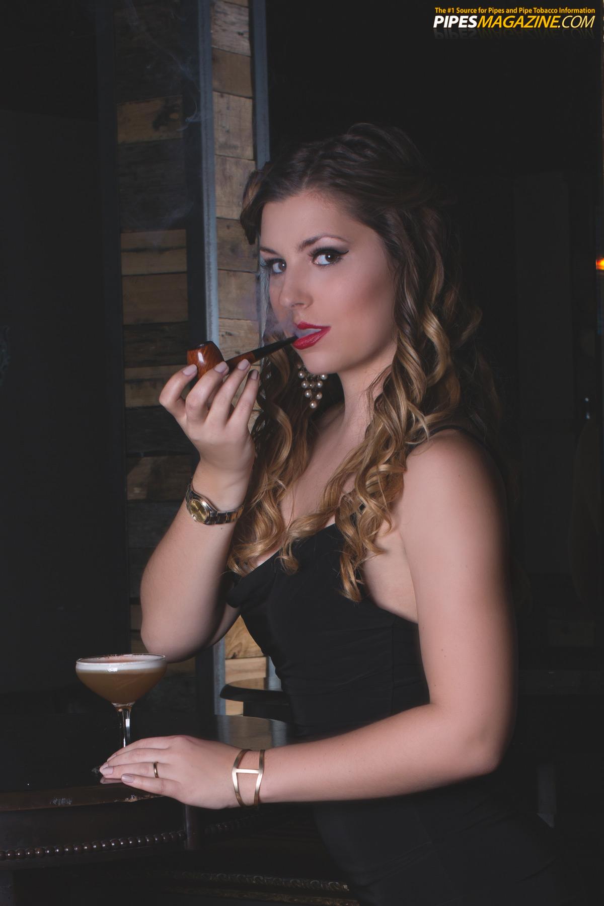 pipe-babe-montana-smokes-a-dunhill-pipe-06.jpg