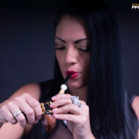 vanessa-smoking-acorn-pipe-01.jpg
