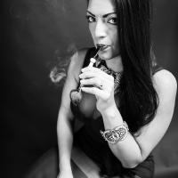 vanessa-smoking-acorn-pipe-04.jpg