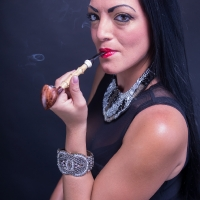 vanessa-smoking-acorn-pipe-11.jpg