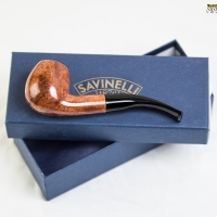 zoie-smoking-a-savinelli-spring-626-bent-apple-17.jpg