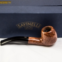 zoie-smoking-a-savinelli-spring-626-bent-apple-18.jpg