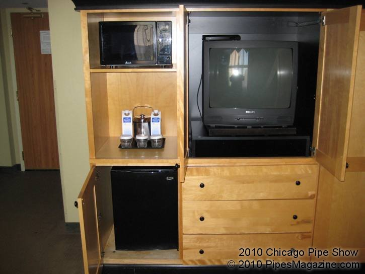 TV and Refreshment Area in Sitting Room