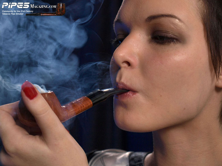 girl-smoking-pipe-kelly-051