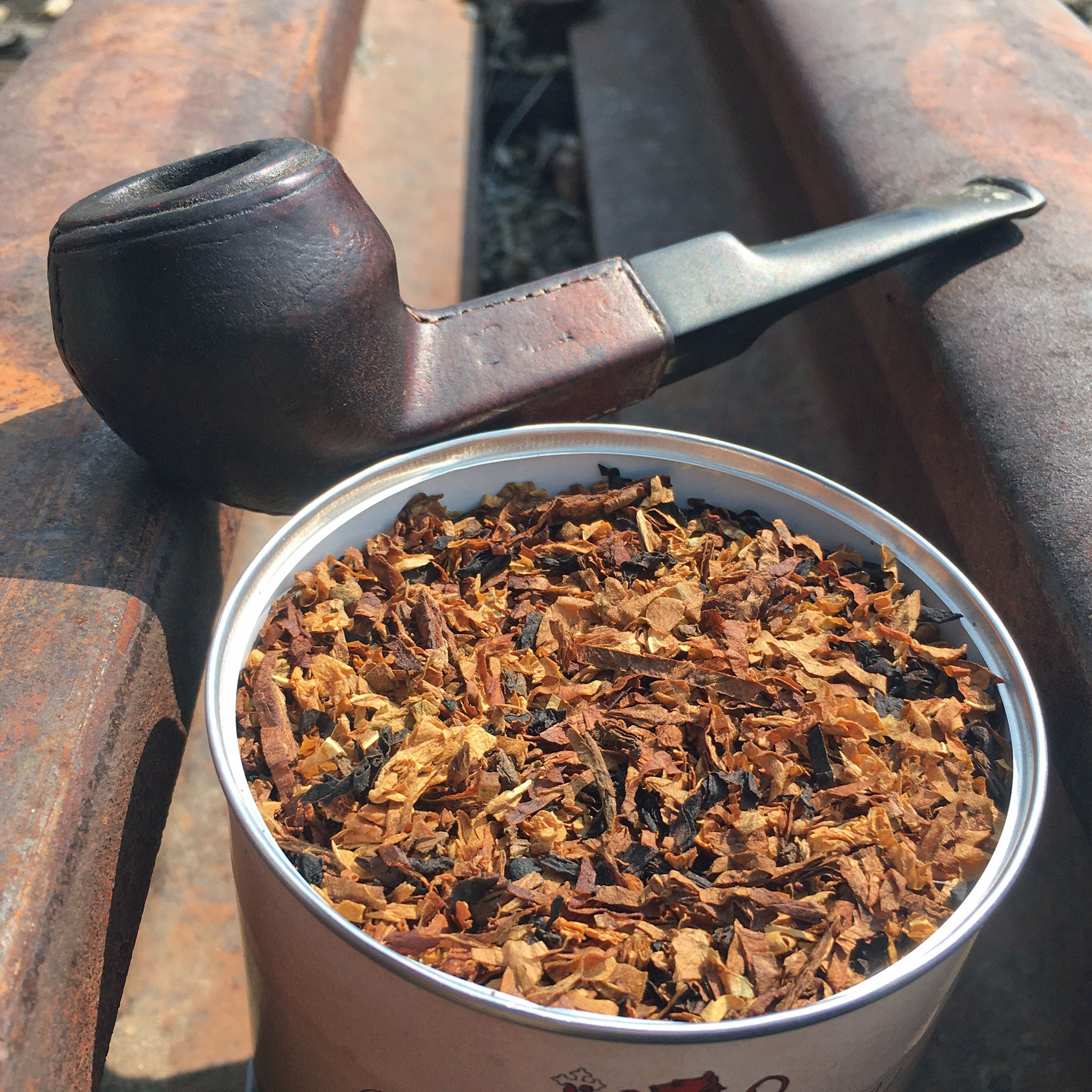 Drucquer & Sons Inns of Court Tobacco Review