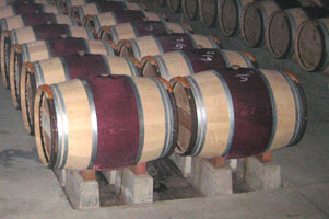 Wine Barrels - Aging Wine in Barrels Effects the Wine Flavor & Aroma